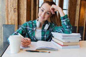 באילו מקומות עבודה מעסיקים בני נוער?