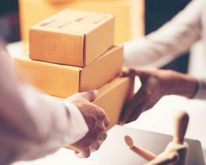 חברת שליחויות ארצית: סקירת החברות שמתאימות לעסקים קטנים וגדולים